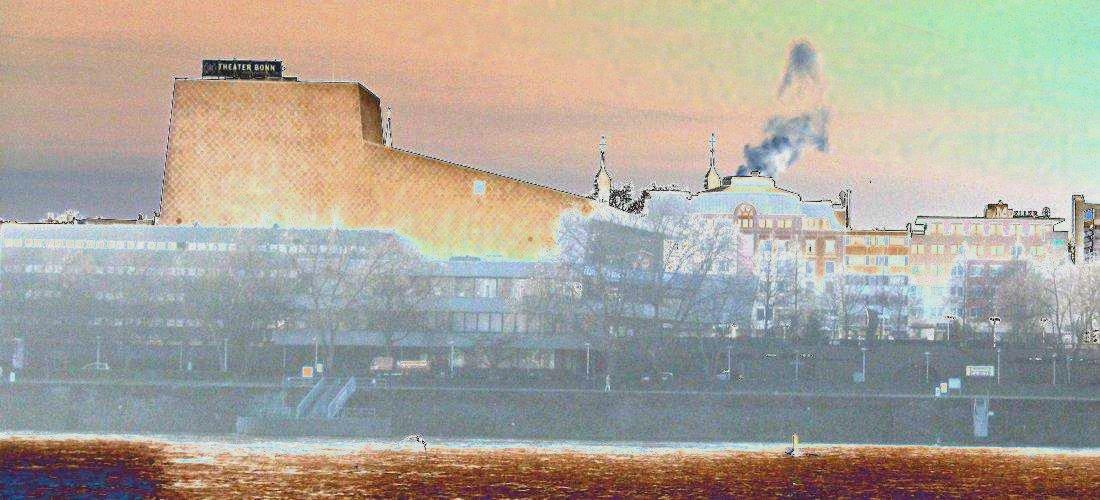 Theaterbauten und Stadthalle erhalten